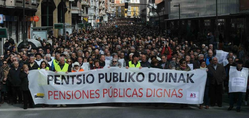 Nada frena a 16.000 pensionistas en Vitoria