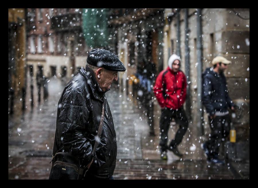 La nieve vuelve a Álava para despedir el crudo invierno