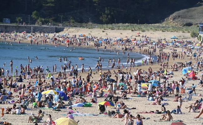 Los vecinos de Gorliz también tendrán que pagar por aparcar en los parkings de la playa en verano