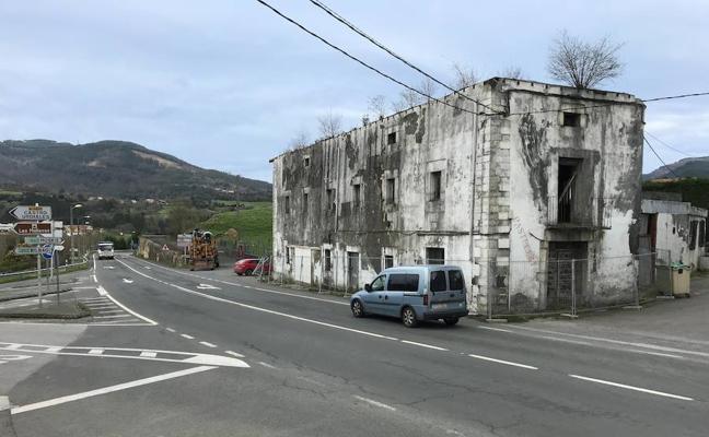 El derribo de un edificio despeja la eliminación de un punto negro a la entrada de Sopuerta