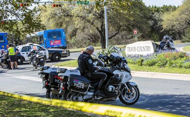 El misterio de los paquetes bomba aterroriza Austin