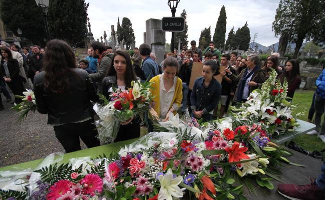 El homenaje a las víctimas del bombardeo en Durango se acerca a la ciudadanía