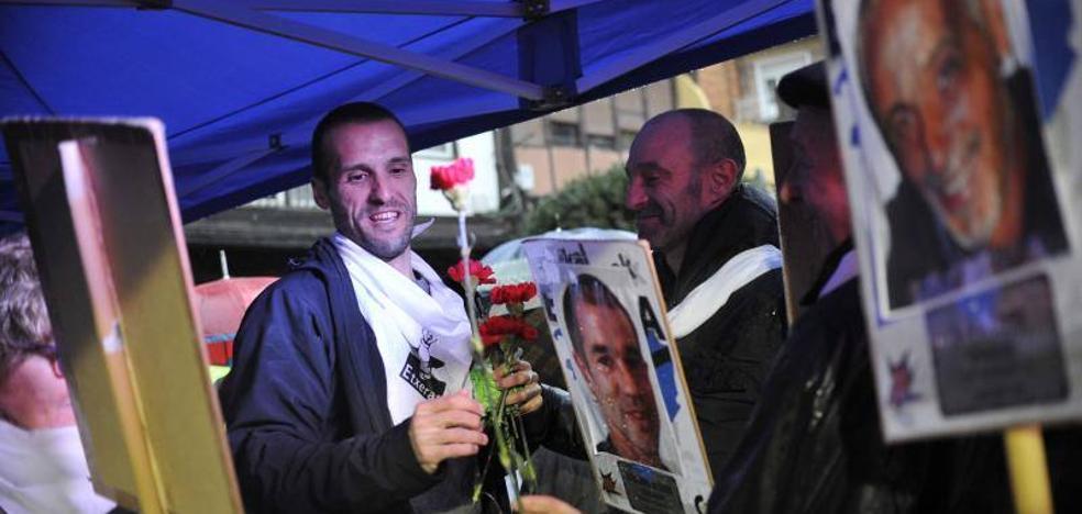 El Gobierno vasco pide a la izquierda abertzale que rechace los homenajes a etarras