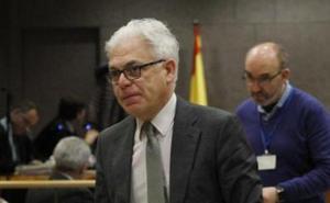 Un exviceconsejero de Sanidad dice que contratar a las empresas de Margüello «puso en riesgo la salud de los pacientes»