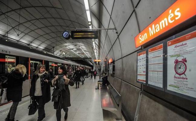 El metro refuerza su servicio nocturno los días festivos de Semana Santa