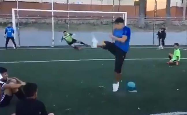 El espectacular penalti que se ha hecho viral