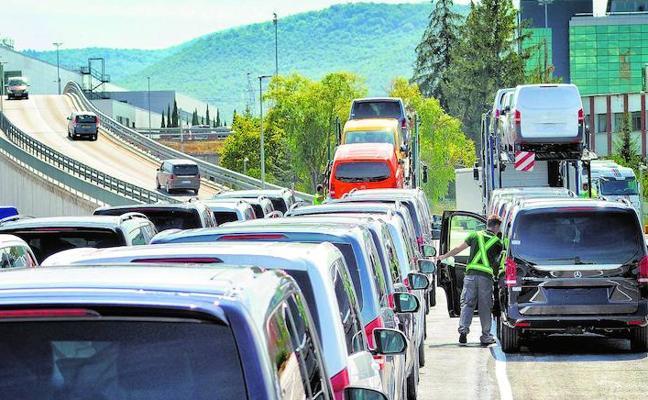 Mercedes busca 30.000 metros en Júndiz para su área logística