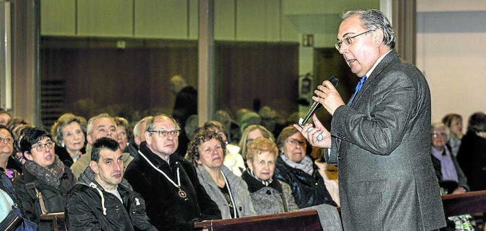 Arte y religión, dúo inseparable en el pregón de la Semana Santa de Vitoria