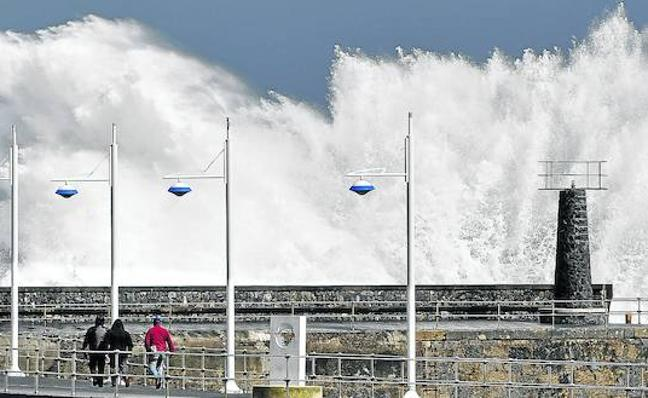 'Hugo' se estrella contra la costa