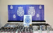La Policía detiene a un hombre dedicado a la venta de relojes de marca falsificados