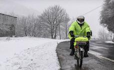 Nieve y averías en el viaje en ciclomotor desde Vitoria a Santiago