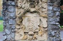 El Ayuntamiento de Orduña traslada a La Aduana el escudo de Arbieto