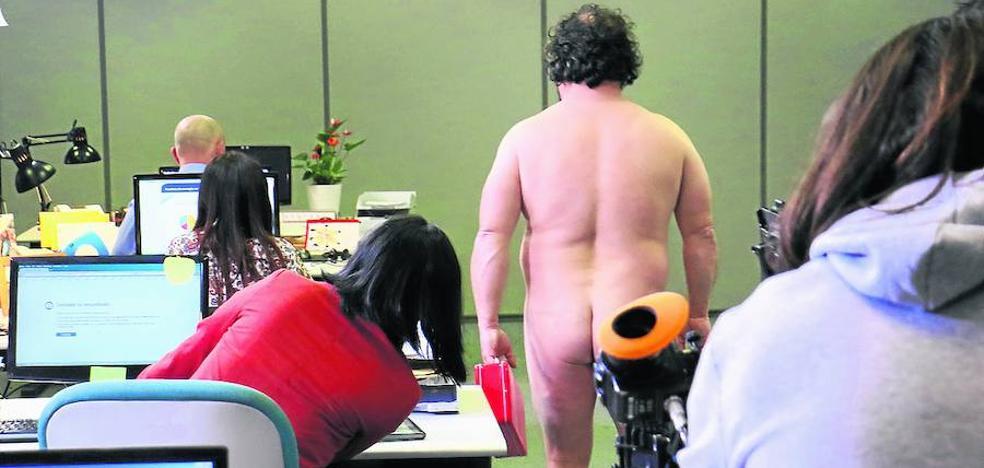 Revolución nudista en el Edificio Azucarera de Vitoria