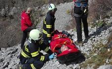 Rescatan en helicóptero a un hombre accidentado en Urkiola