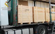 La Guardia Civil decomisa en el peaje de Llodio 658 kilos de hachís ocultos en un camión