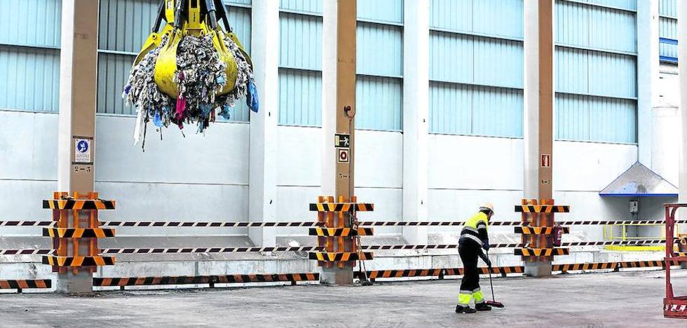 Un brote de 'fiebre Q' en una planta de residuos obliga a someter a análisis a 130 operarios