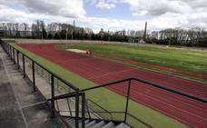 Deportes espera homologar esta semana la pista de atletismo tras varios arreglos