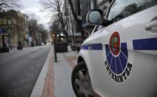Detenido por conducir a gran velocidad y con una persona colgada de la ventanilla en Bilbao