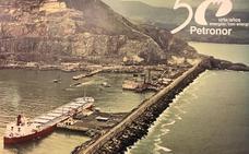 Una exposición itinerante repasa a través de fotos el medio siglo de historia de Petronor