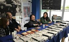 Regalan libros en el asilo de Santurtzi para despertar las emociones