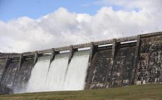 El agua desembalsada desde enero daría para beber 14 meses a Bizkaia