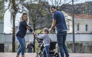 110 familias vizcaínas cuidan de niños en tutela foral hasta que sus padres puedan hacerse cargo