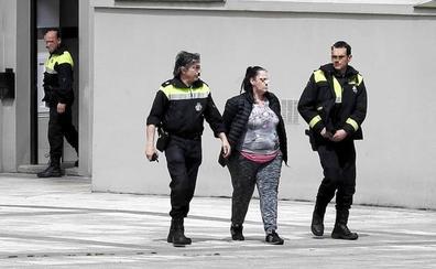 Detienen a una pareja de Santutxu que traficaba en casa delante de sus 5 hijos menores