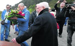 Flores para cerrar las heridas de guerra de la batalla de Matxitxako