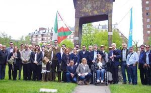Euskadi y Galicia renuevan sus lazos en un homenaje a Castelao en el parque Europa de Bilbao