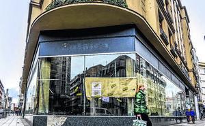 El centro de Vitoria contará desde junio con el primer comercio que abrirá 18 horas diarias