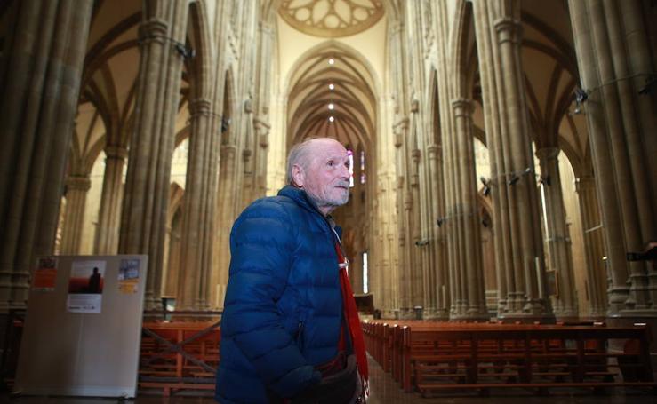 Antonio López expone en Vitoria su proyecto para el Cristo crucificado en la catedral nueva