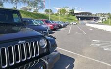 Los parkings del aeropuerto se colapsan por primera vez con miles de viajeros afectados