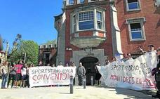 Getxo suspende desde el 28 de abril los cursos de pádel, natación y tenis por la huelga en Fadura