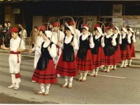 Medio siglo de pasos por la danza