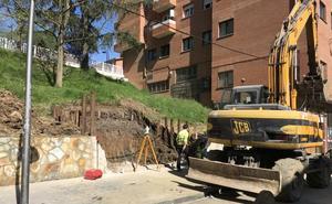 Arrancan las obras para instalar el nuevo ascensor en el centro de Abanto