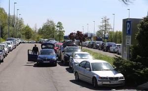 El aeropuerto prepara un plan de ampliación de su parking ante el colapso de los últimos días