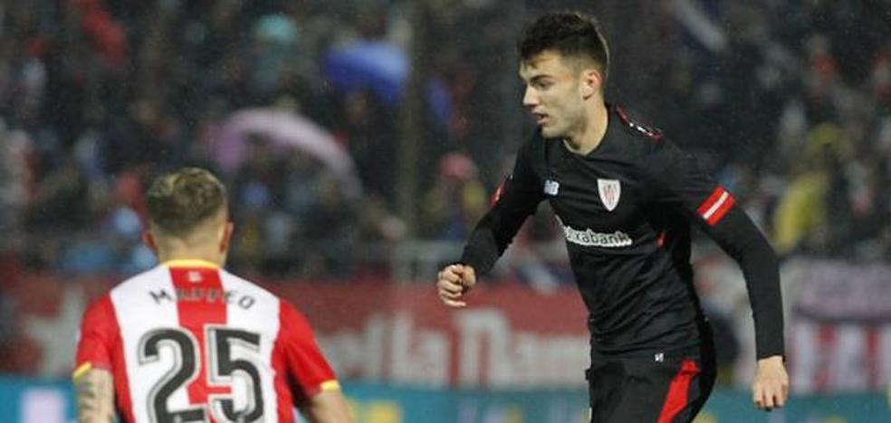 El Eibar se interesa por la situación de Andoni López, lateral del Bilbao Athletic