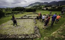 Ekoetxea Urdaibai celebra el 'Día de la Tierra' con una visita al poblado romano de Forua