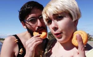 La historia de Alejandro Robles, 'Jirafa Rey', el poeta tras la canción de 'Cómeme el donut'