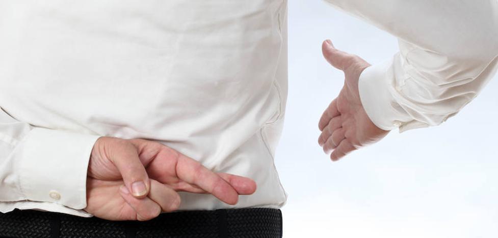 El caso del hombre que perdió varios dedos al fingir su atraco y otros fraudes al seguro