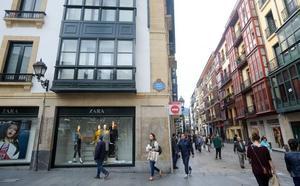 Ayuntamiento y Diputación pagarán 5 millones por el Zara del Casco Viejo para ampliar el Museo Vasco