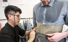 Promesas de la costura exhiben sus atrevidas propuestas en la Pasarela Gasteiz On