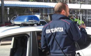 La Ertzaintza destapa un negocio de venta de droga en un bar y una lonja anexa en Barakaldo