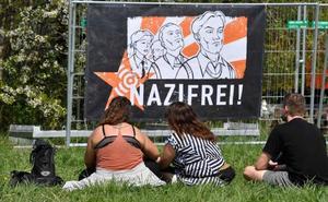 Cientos de nazis celebran el cumpleaños de Hitler en un festival en Alemania