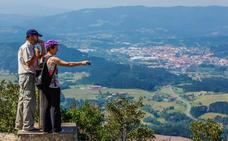 Agentes sociales piden alternativas al turismo para impulsar el desarrollo de Busturialdea