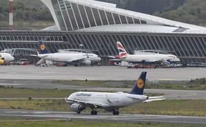 Alonso recuerda a Urkullu que la competencia sobre aeropuertos es «exclusiva» del Estado
