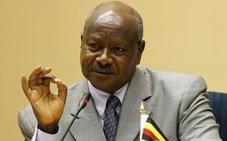 El presidente de Uganda arremete contra el sexo oral: «La boca es para comer»