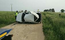 Muere un menor de 14 años al volcar el coche que conducía otro adolescente en Badajoz