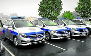 Llegan a Bilbao los Mercedes de color gris con los que patrullará la Policía Municipal