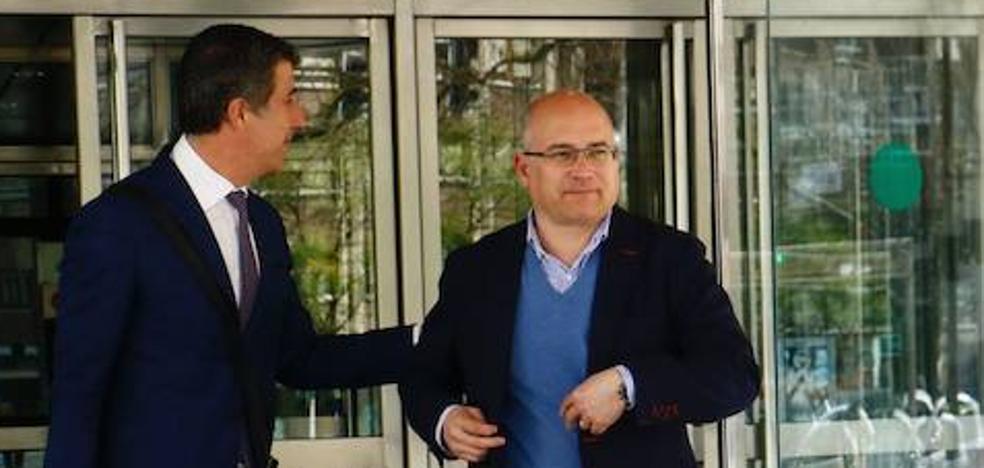 De Miguel sabía que le iban a adjudicar contratos antes de que las instituciones los licitasen